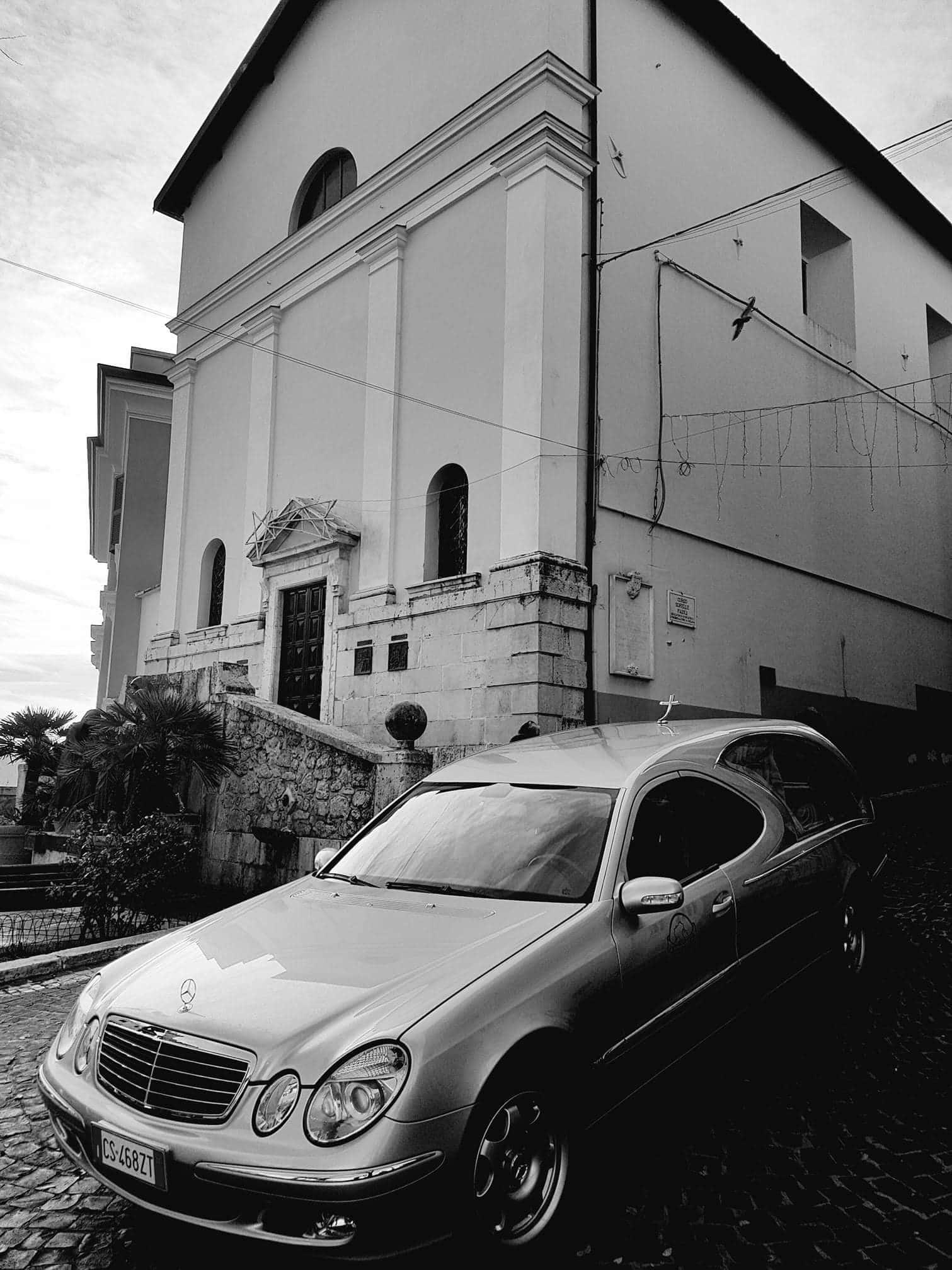 Le-nostre-vetture-agenzia-funebre-la-cattolica-fiuggi-professionalità-e-discrezione