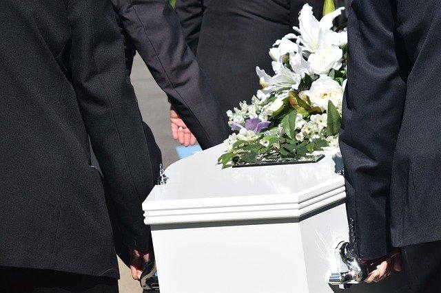i-nostri-cofani-funebri-guida-nella-sepoltura-vasta-scelta